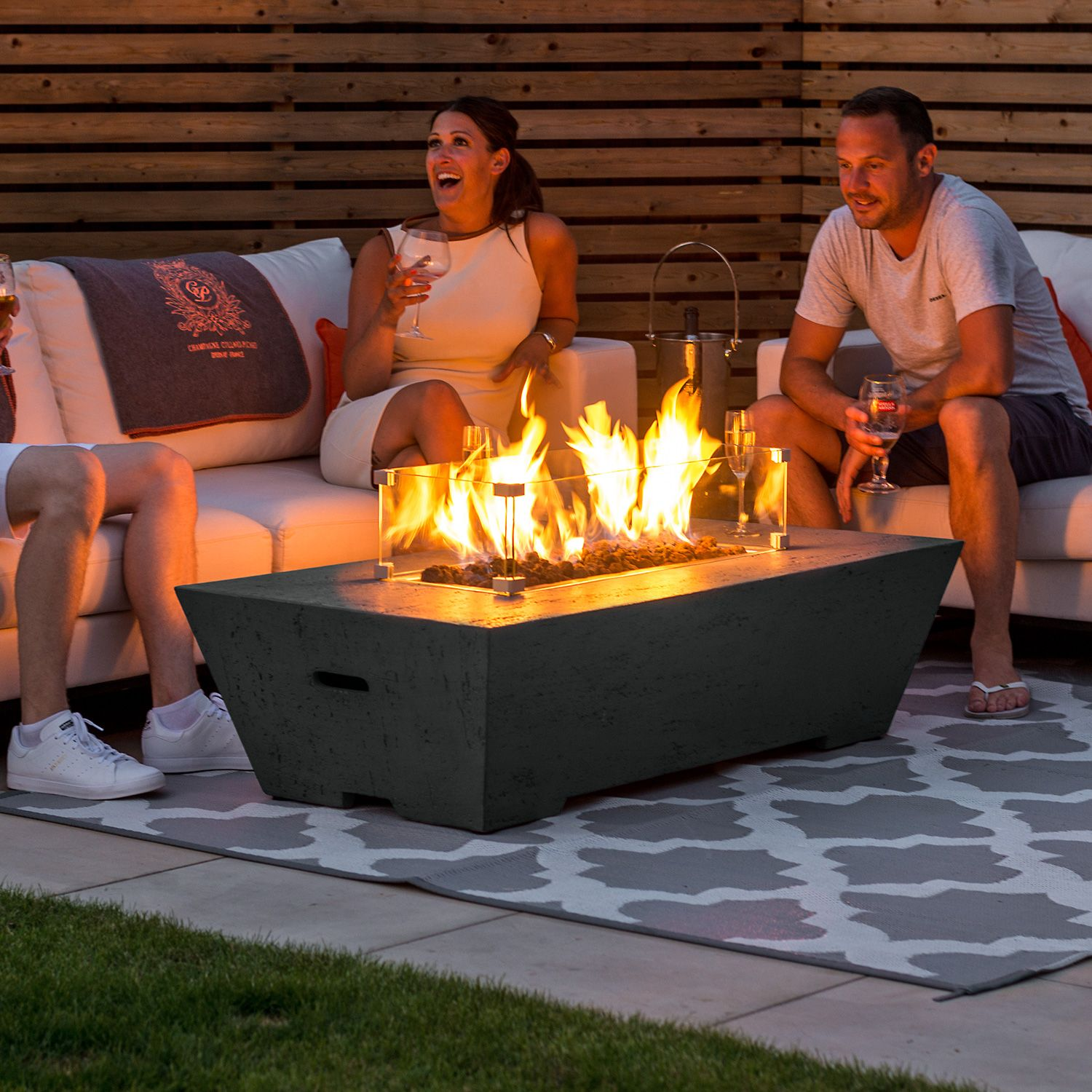 How Far Should Be Chairs From Fire Pit?