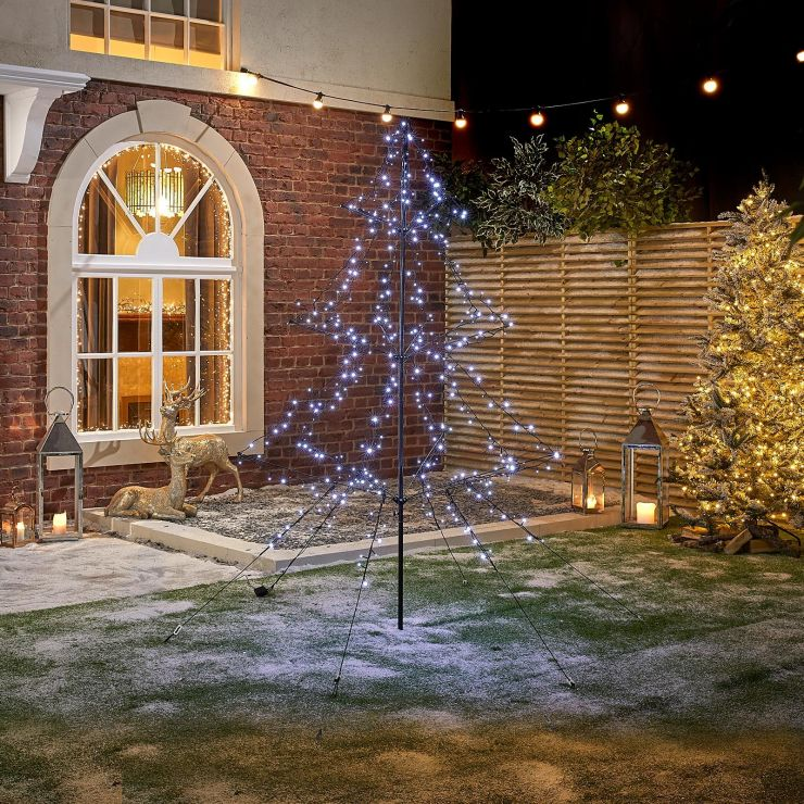 6m 1200 Cool White LED Outdoor Christmas Tree