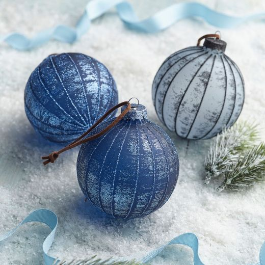 Ice Adventure Set of 3 Steel Blue & Night Blue Glass Baubles