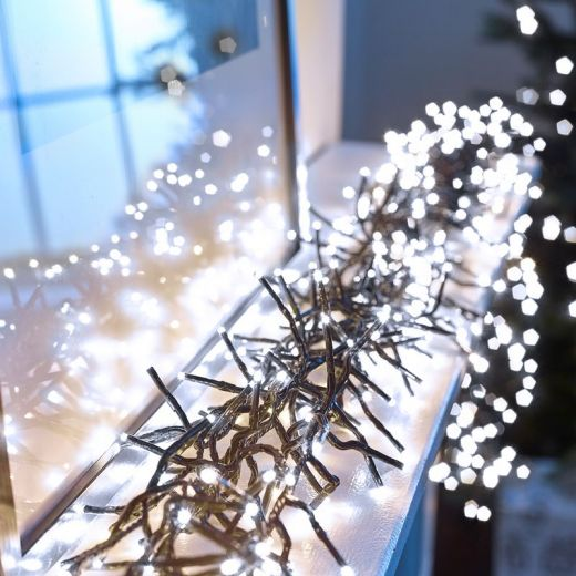 960 Cool White LED Cluster Christmas Lights (13.9m Lit Length)