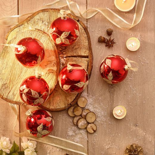 Country Christmas Set of 6 Glass Red Leaf Baubles